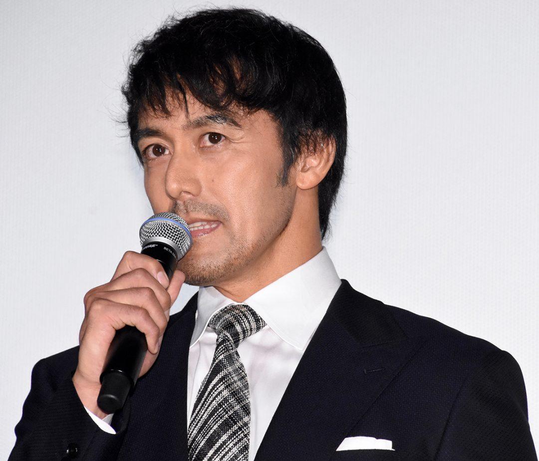 豊川悦司、溢れ出る大人の色香で共演者を魅了