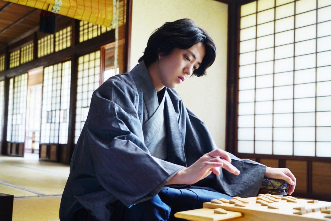 将棋エンタテインメント「電王戦」に着想を得た『AWAKE』で若手強豪棋士を演じた若葉竜也の素顔