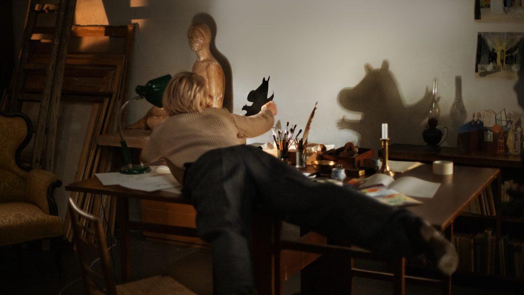 世界中で愛されるムーミンの作家トーベ・ヤンソンの半生を描いた映画『TOVE/トーベ』予告映像が公開
