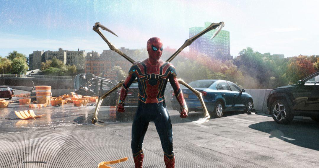 正体が明かされたピーター・パーカー マルチバースの世界が描かれる 映画『スパイダーマン』全世界が待ち望んだ予告映像&場面写真が公開