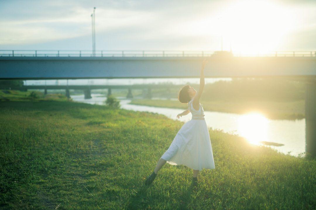 女優・モデルの三吉彩花が語る、初監督作品 短編映画『inside you』で目指した作品作りの想い