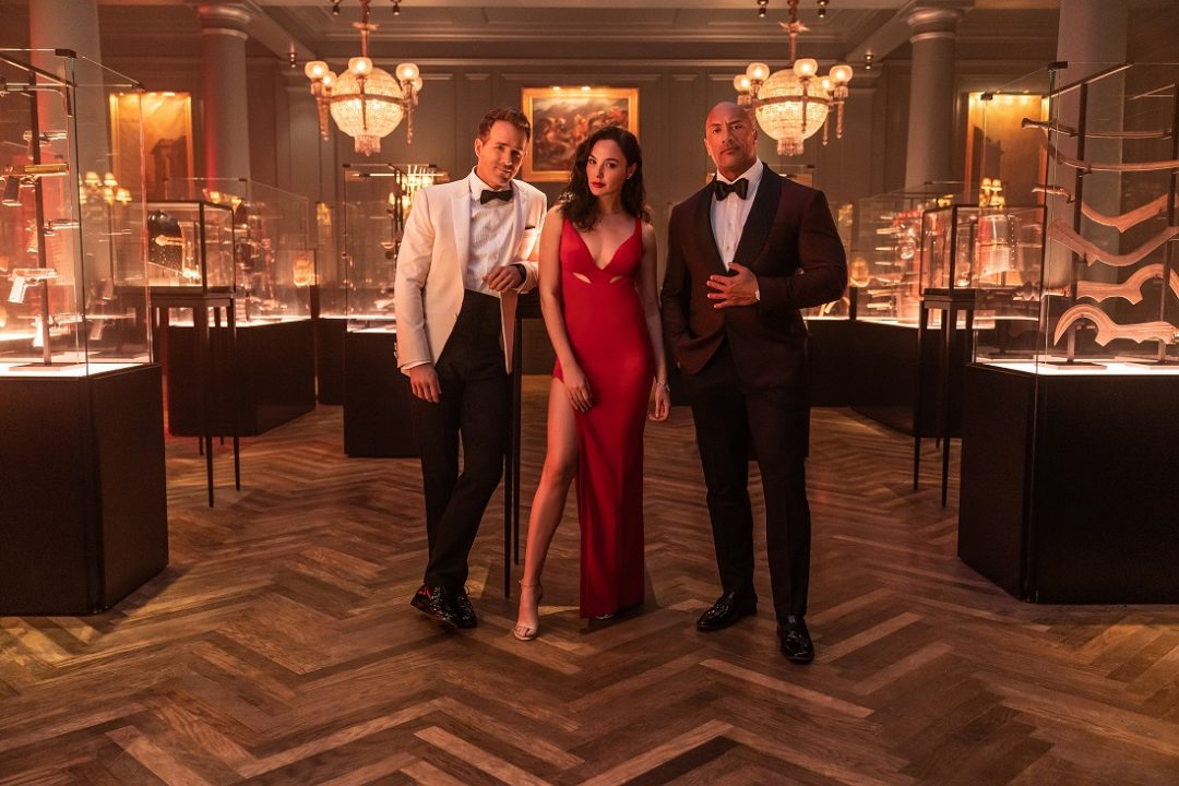 前代未聞の大強盗計画 ! ドウェイン・ジョンソン×ガル・ガドット×ライアン・レイノルズの豪華キャストで贈る Netflix映画『レッド・ノーティス』予告映像が公開