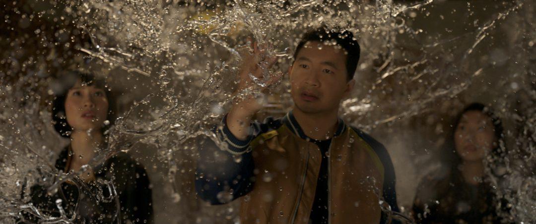 MCU初のアジア系ヒーローが誕生 ! 映画『シャン・チー/テン・リングスの伝説』新たな展開を予感させる最新予告映像が公開
